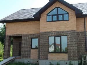 Дом из кирпича в Великом Новгороде